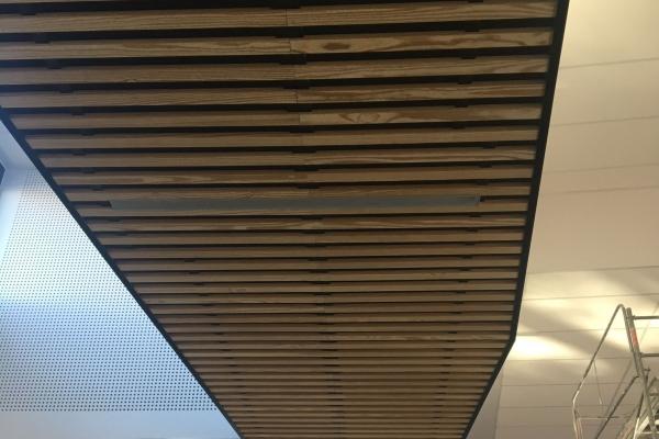 plafonds-bois-holding-pichaud-vinetDDAD5A51-5078-7923-DC06-81B41A3A2617.jpg