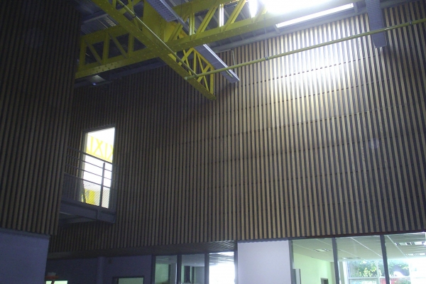 plafonds-bois-nantes-lycee-panneaux-bois-holding-pichaud-vinet100A34C3-6118-0F8E-FC86-48B5CD400A13.jpg