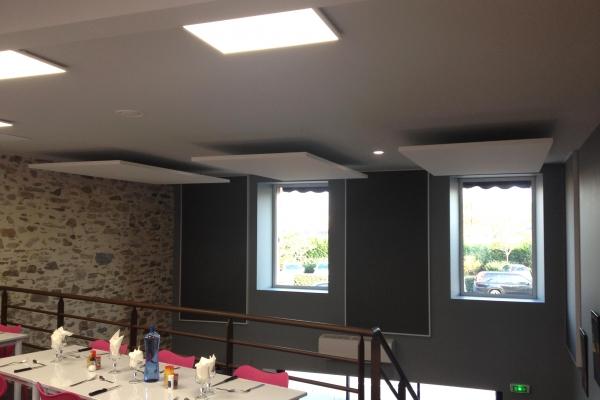 corrections-acouqtiques-restaurant-chez-toto-bouffere-panneaux-acoustiques-wall-panel-solo-rectangle-ecophon-holding-pichaud-vinetF5D33C14-395B-54A6-BFFF-08288C163B7E.jpg