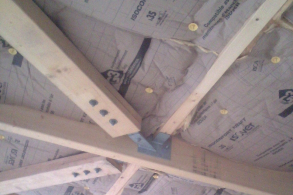 laine-de-verre-kraft-fixation-isolation-avec-suspente-integra-holding-pichaud-vinet-site-webD8C918CA-76CC-FE9A-6C0D-F43003FECB54.jpg