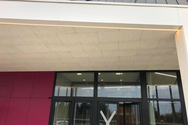 plafond-bois-exterieur-1200x600x35-mm-fmiv-pichaud-vinet8E73826C-98D8-C385-F863-A88C55726107.jpg