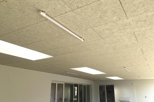 plafonds-fibre-de-bois-organic-pure-fixation-mecanique-visible-holding-pichaud-vinetC2BC7A51-614C-2955-52D8-95B29745092A.jpg